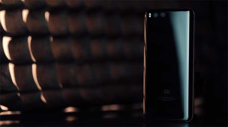 Mi 6 практически полностью выполнен из стекла